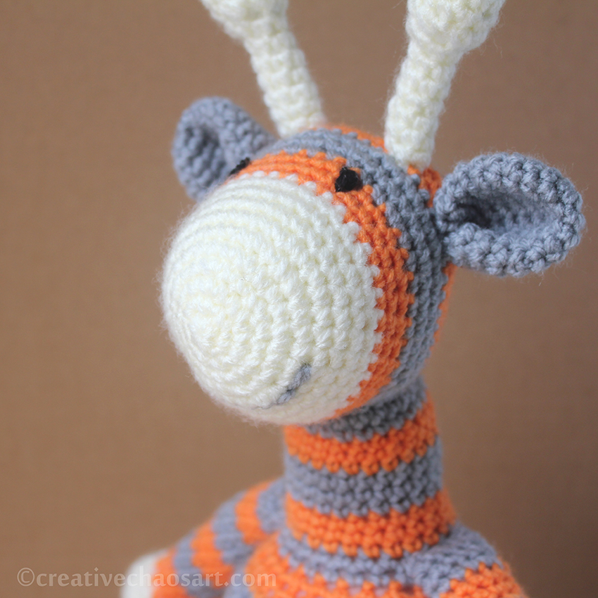 Crochet Patterns For Giraffe : Creative Chaos Art: Crochet Giraffe